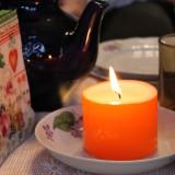Свечка на Рождественском столе