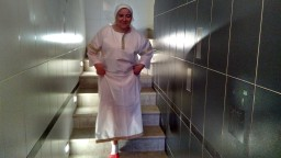 А вот и Татьяна спускается к водной могиле))